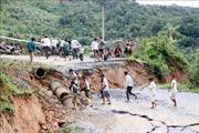 Mưa lớn làm sụt lún hàng chục mét đường ở Lai Châu