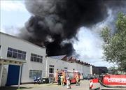 Dập tắt đám cháy tại trung tâm thương mại Đồng Xuân ở Berlin
