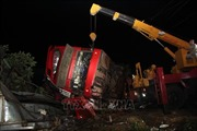Xe khách lật trên Quốc lộ 26 làm một người chết và nhiều người bị thương