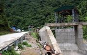 Buông lỏng quản lý xây dựng công trình thủy điện ở Lai Châu - Bài 1: Vi phạm hành lang an toàn đường bộ