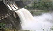 Mưa lũ gây sạt lở chân đập hồ thuỷ điện Đăk Kar, khẩn cấp di dời dân