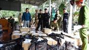 Bắt 2 đối tượngtàng trữ trái phép hơn 900 kg pháo