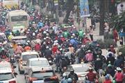 Cảnh ùn tắc vào giờ cao điểm tại hai tuyến đường Hà Nội dự kiến cấm xe máy