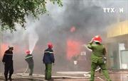 Cháy lớn tại tổ hợp khách sạn, nhà hàng, karaoke