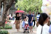 Nhiều điểm vui chơi tấp nập trong ngày đầu kỳ nghỉ Giỗ Tổ Hùng Vương