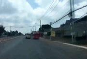 Bình Phước xử phạt lái xe khách lạng lách trên đường
