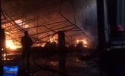Kịp thời khống chế vụ cháy tại Công ty sản xuất gỗ ở Bình Dương