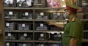 Phát hiện cơ sở sản xuất khẩu trang chui, không nhãn mác