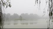 Ngày 1/12: Thời tiết ấm dần, Hà Nội sáng sớm có sương mù
