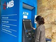 Hạn chế lây lan COVID-19, ngân hàng hút khách giao dịch online thế nào