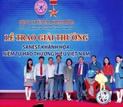 Sanest Khánh Hòa trao giải thưởng đợt 3 chương trình 'Niềm tự hào thương hiệu Việt Nam'