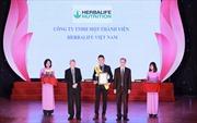 """Herbalife Việt Nam nhận giải thưởng """"Sản phẩm vàng vì sức khỏe cộng đồng năm 2019"""""""