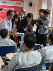 Dai-ichi Việt Nam tài trợ phẫu thuật mắt cho người nghèo