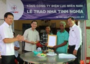 Tổng công ty Điện lực miền Nam tặng 20 căn nhà tình nghĩa cho Trà Vinh