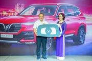 Vinfast tặng xe Lux SA 2.0 phiên bản cao cấp cho HLV Park Hang-Seo