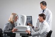 Có thể phát hiện triệu chứng bệnh Alzheimer qua khám mắt