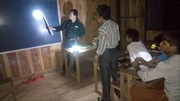 Những thầy giáo 'áo xanh' và lớp xóa mù chữ đặc biệt trên dãy Trường Sơn