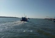 Tìm thấy thi thể vợ chồng ngư dân mất tích do sóng đánh lật ghe