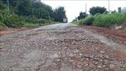 Đường liên xã xuống cấp nghiêm trọng gây mất an toàn giao thông