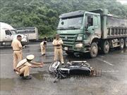 Xe chở vật liệu xây dựng va chạm xe máy tại Ninh Bình, 2 người nước ngoài thương vong