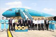 Phó Thủ tướng Trương Hòa Bình dự Lễ đón chiếc máy bay thứ 100 của Vietnam Airlines