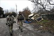 Hai phe xung đột ở miền Đông Ukraine hoãn kế hoạch rút quân giai đoạn cuối