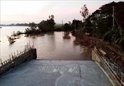 An Giang: Hỗ trợ các hộ dân bị ảnh hưởng sạt lở bờ Tây sông Châu Đốc