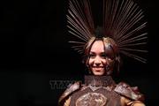 Trình diễn thời trang làm từ Chocolate