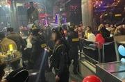 Đột kích quán bar, phát hiện 92 người dương tính với ma túy