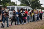 Mỹ mở rộng phạm vi chương trình trục xuất người di cư Trung Mỹ về Mexico