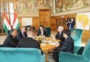 Việt Nam và Hungary ký kết nhiều văn kiện hợp tác