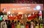 Tết Trung thu gắn với truyền thống khuyến học của người Việt tại Séc