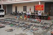 Phát hoảng với lượng lớn vũ khí tự chế, chất nổ thu hồi từ người dân Nghệ An