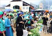 Đầu năm đi chợ phiên Đồng Văn