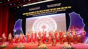 Gần 200 nhà thơ, nhà văn, dịch giả nổi tiếng thế giới tham dự 'Đêm thơ quốc tế Hạ Long'