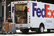 Trung Quốc điều tra công ty chuyển phát nhanh FedEx của Mỹ