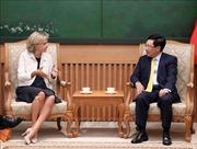 Phó Thủ tướng, Bộ trưởng Ngoại giao Phạm Bình Minh tiếp Chủ tịch Vùng Ile-de-France