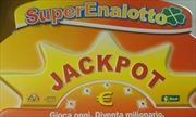 Bỏ 2 euro mua vé số, bất ngờ trúng giải độc đắc hơn 230 triệu USD