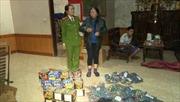 Một phụ nữ tàng trữ, mua bán trái phép 70kg pháo