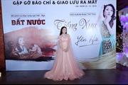 Ca sĩ Yên Hà vừa ra mắt phim ca nhạc 'Đất nước' vừa làm album DVD online 'Tiếng xưa'