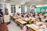 Học sinh tại gần 1.900 trường mầm non, tiểu học Hà Nội vui vẻ đến trường