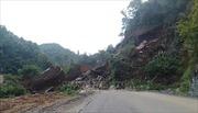 Sạt lở đất tại Cao Bằng vùi lấp 1 nhà dân và 50m đường Tỉnh lộ