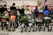 Sợ nhiễm bệnh viêm phổi lạ, dân Vũ Hán tích đồ ăn, cố thủ trong nhà