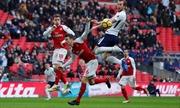Vòng 29 Ngoại hạng Anh: Thành bại tại derby