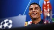 Juventus vướng chấn thương, Ronaldo 'loại' Mourinho?