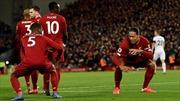 Liverpool phô bày sức mạnh tập thể khủng khiếp trên đường thống trị Ngoại hạng Anh