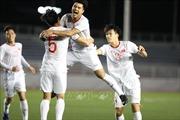 Đức Chinh tỏa sáng, U22 Việt Nam thắng sát nút U22 Singapore, củng cố ngôi đầu