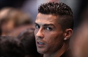 Ronaldo 'thoát' tội hiếp dâm