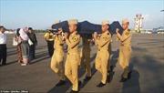 Nhân viên không lưu quên thân mình giúp máy bay tránh thảm họa động đất tại Indonesia