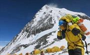 Lý do rùng mình khiến Trung Quốc giảm lượng người leo núi Everest